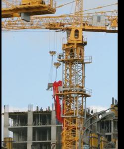 Башенный кран РКЗ на сроительном объекте